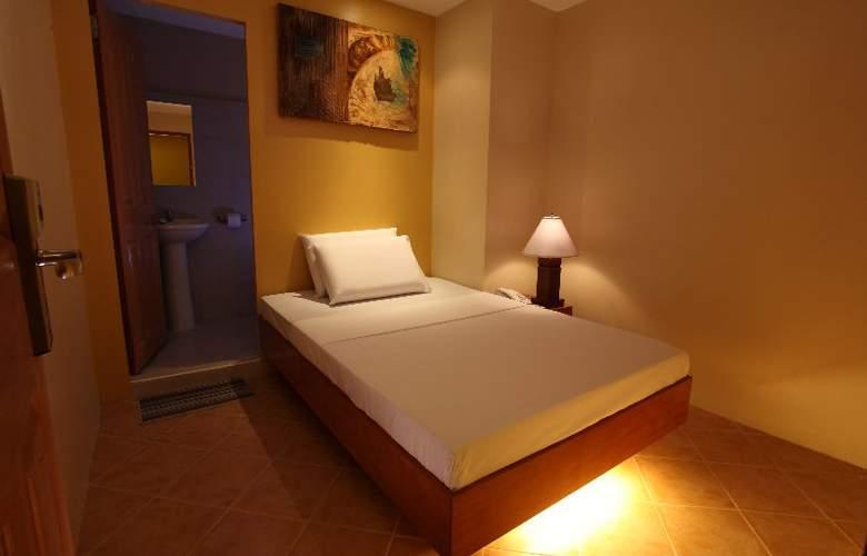 Gran Prix Manila - Room - 4