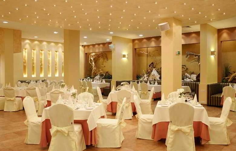 Premier Luxury Mountain Resort - Restaurant - 22