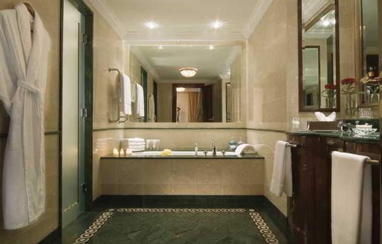 Ritz Carlton - Room - 12