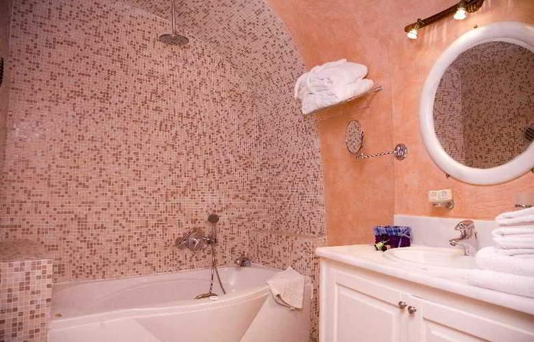 Adamis Majesty Suites - Room - 12
