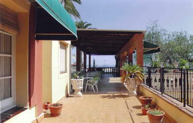San Martin - Terrace - 14