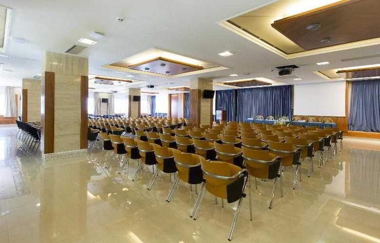 Torre del Mar - Conference - 27