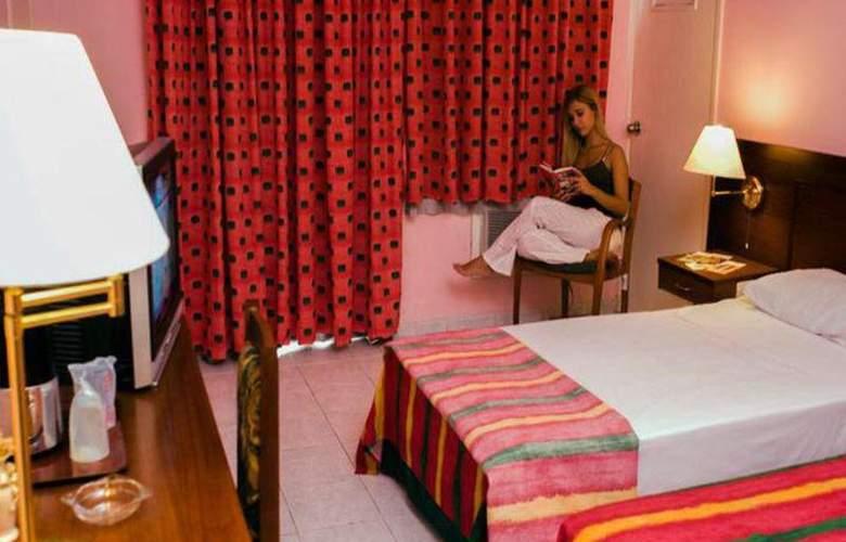 Vedado - Room - 8