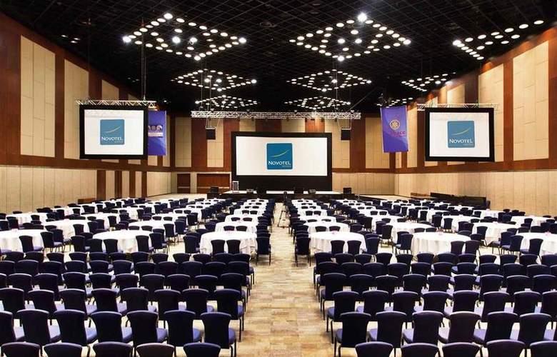 Novotel Hyderabad - Conference - 2