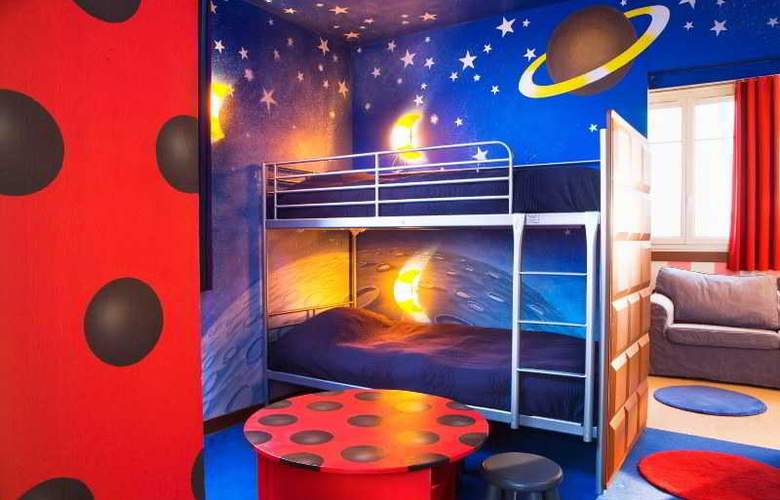 Explorers At Disneyland Paris - Room - 20
