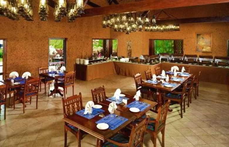 Poovar Island Resort - Restaurant - 9