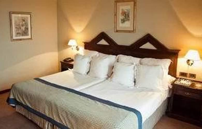 Rl Ciudad de Ubeda - Hotel - 0