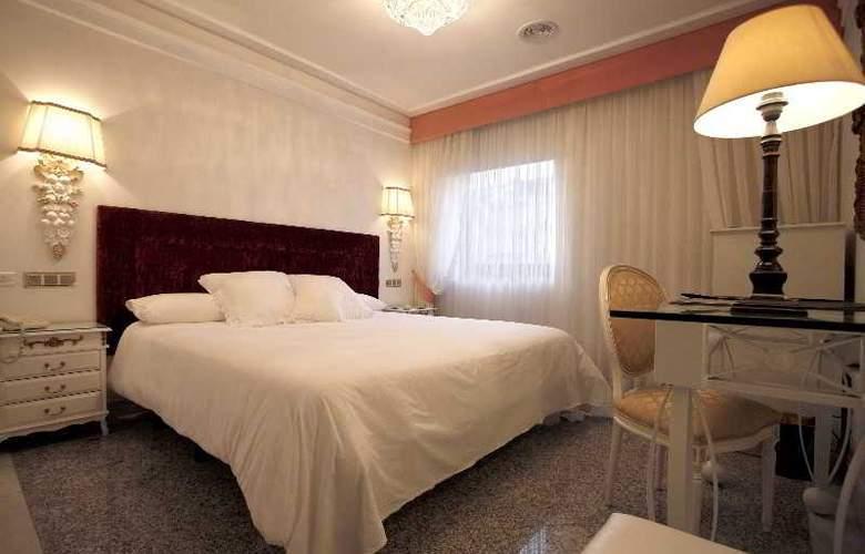 Artheus Carmelitas Salamanca Sercotel - Room - 15