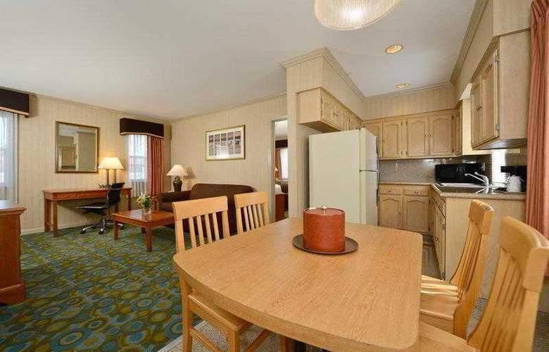 Best Western Plus Executive Suites - Hotel - 9