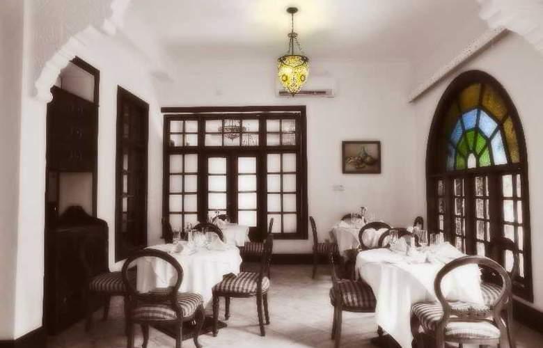 Protea Hotel Courtyard - Bar - 16
