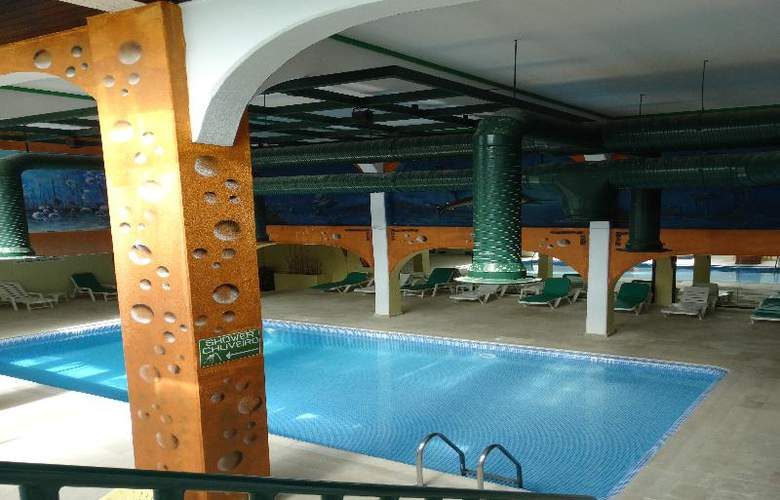 Turial Park - Pool - 20