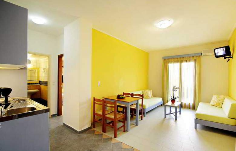 Canea Mare Hotel and Apartments - Room - 1