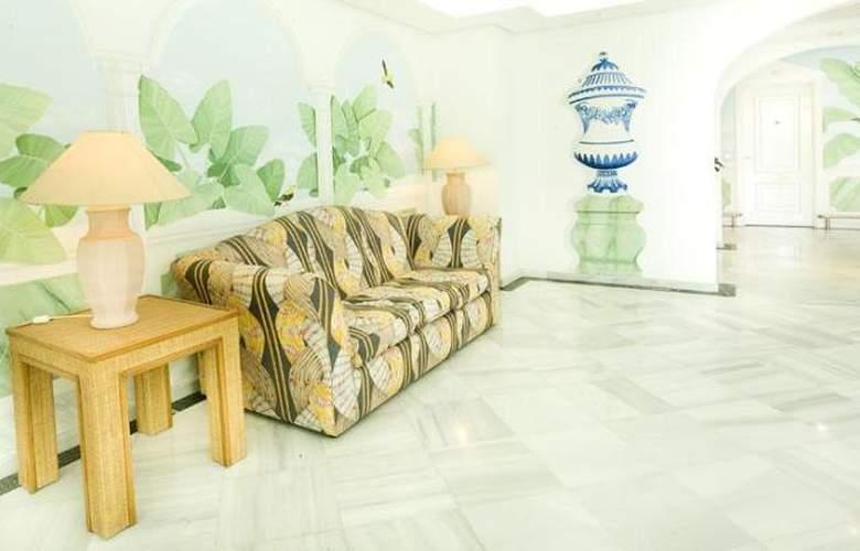 Monarque Sultan Aparthotel - General - 12