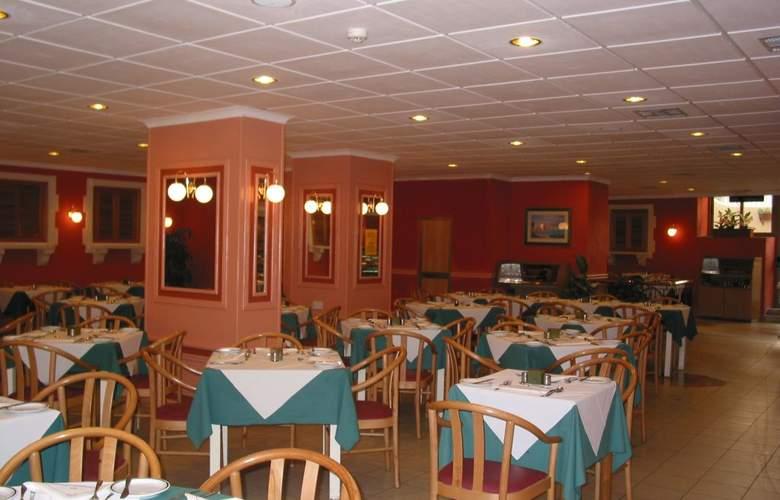 The San Anton - Restaurant - 4