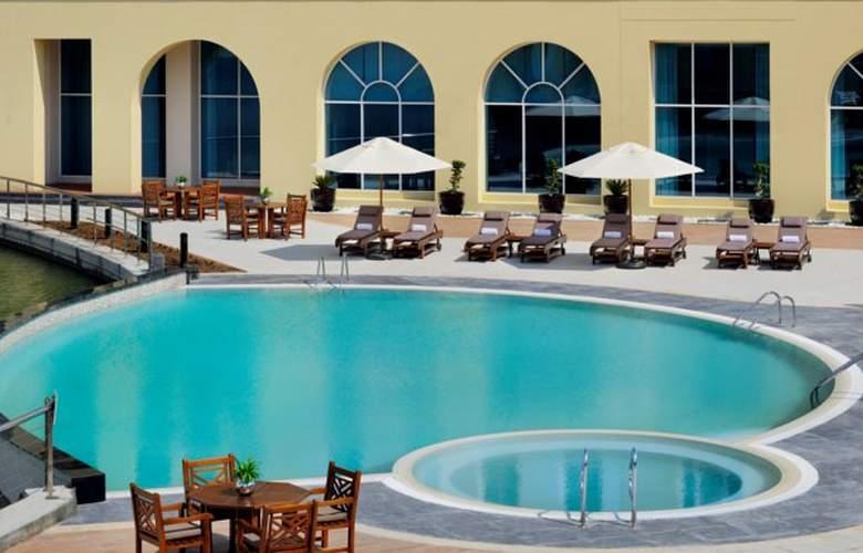 Courtyard Marriot, Green Community - Pool - 3