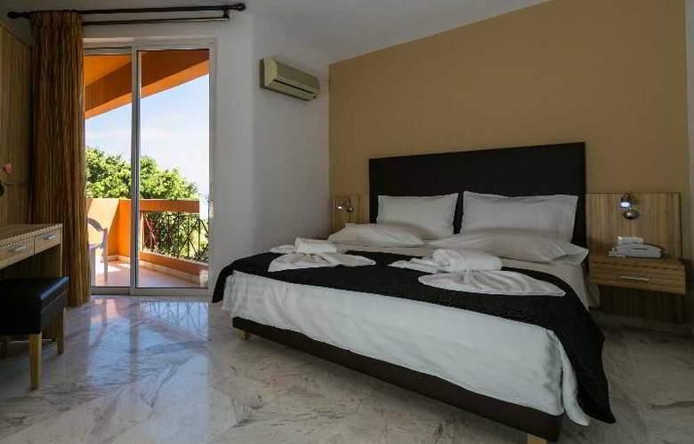 Elotia Hotel - Pool - 3