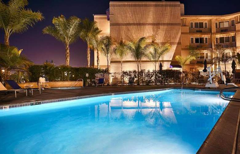 Best Western Plus Marina Gateway Hotel - Pool - 46
