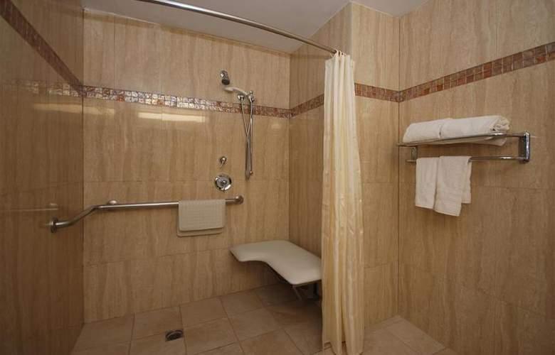Best Western Los Angeles Worldport Hotel - Room - 17