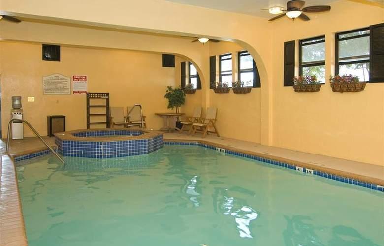 Best Western Alamo Suites - Pool - 27
