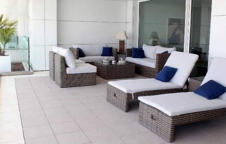 Suites de Puerto Sherry - Terrace - 10