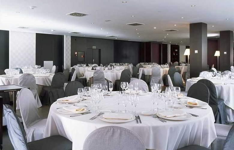 AC Elda - Restaurant - 9