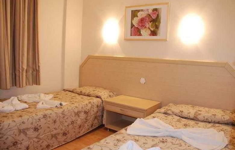 Tuntas Apartment Altinkum - Room - 3