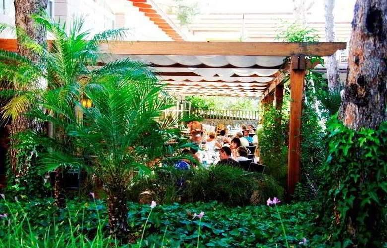 Zafiro Park Cala Mesquida - Terrace - 7