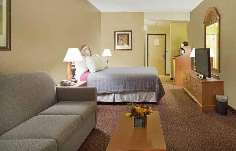 Best Western Plus Golden Lion - Hotel - 11