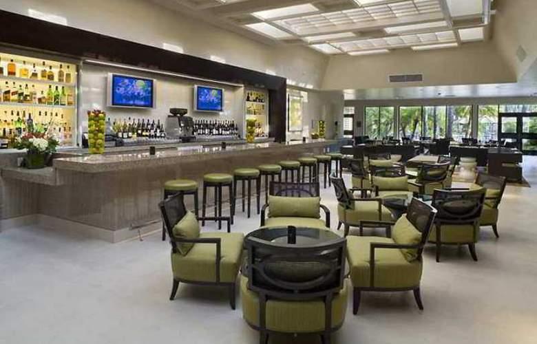 Hilton Irvine/Orange County Airport - Hotel - 4