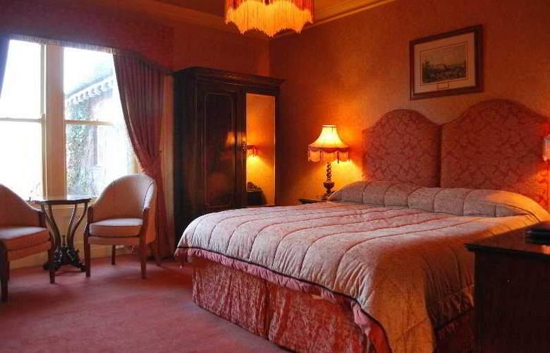 Lands of Loyal Hotel - Room - 8