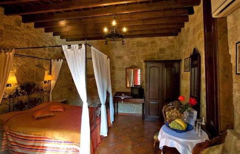 Saint Nikolis - Room - 4
