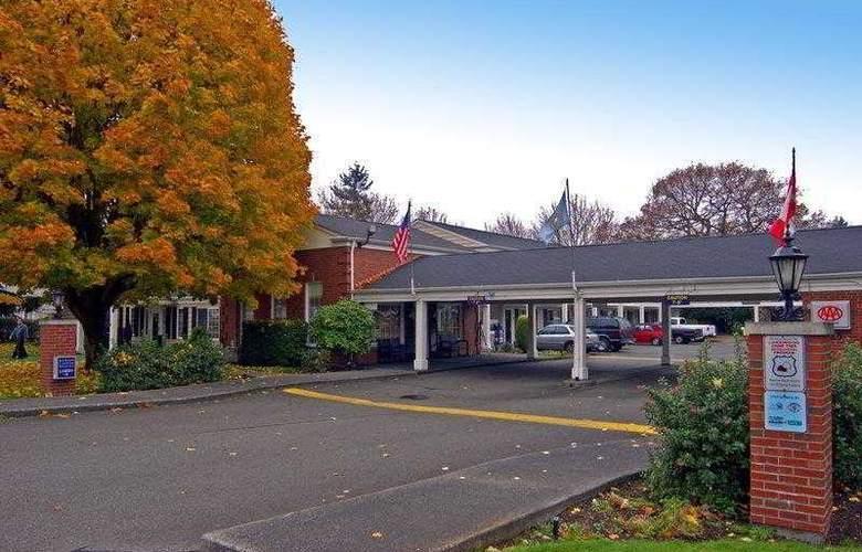 Best Western Lakewood Motor Inn - Hotel - 1
