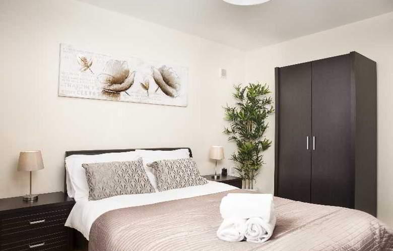 Cheltenham Plaza - Room - 4