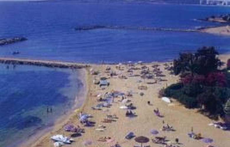 Sur - Beach - 1
