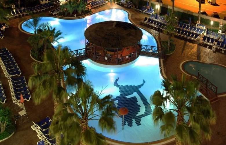 Golden Taurus Park Resort - Pool - 4