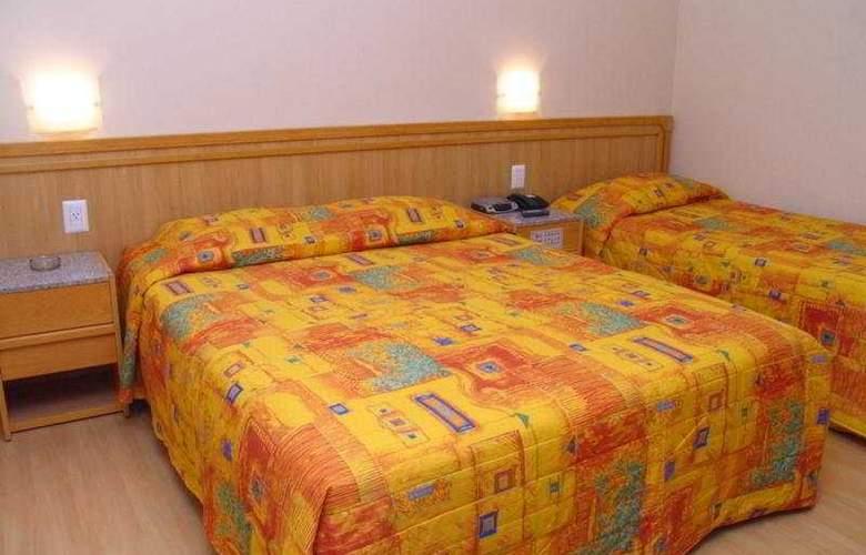Regina - Room - 7