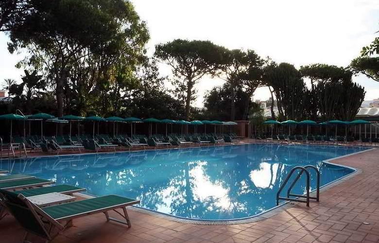 NH Ischia Thermal Spa Resort - Pool - 5