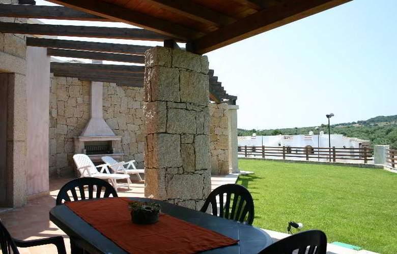 Vista Blue Resort - Terrace - 7