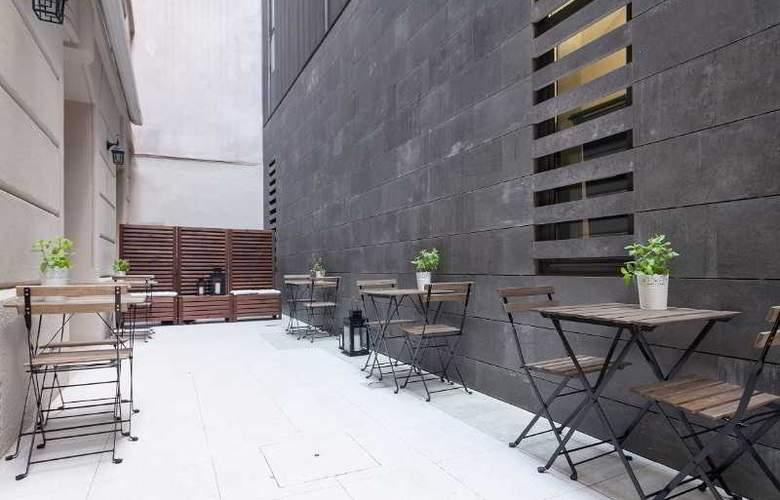 Condal - Terrace - 35
