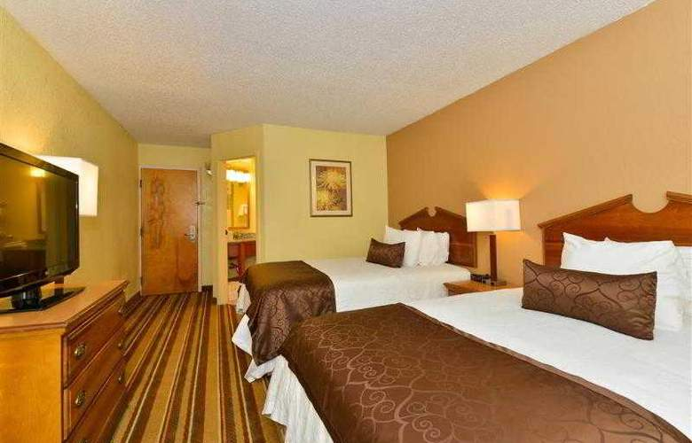 Best Western Plus Richmond Airport Hotel - Hotel - 64