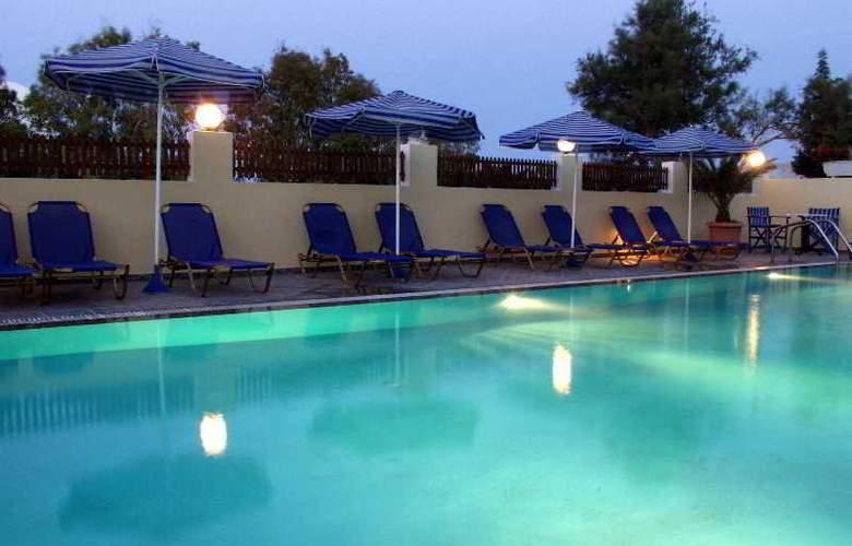 Philippion - Pool - 10