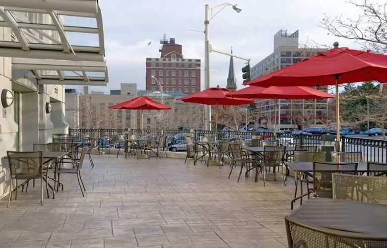 Hilton Providence - Terrace - 9