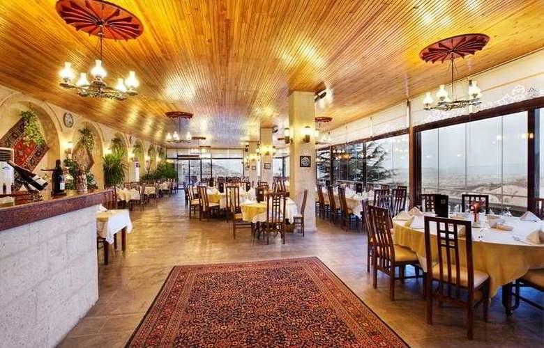 Uchisar Kaya - Restaurant - 9