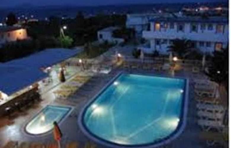Villa Popi - Pool - 10