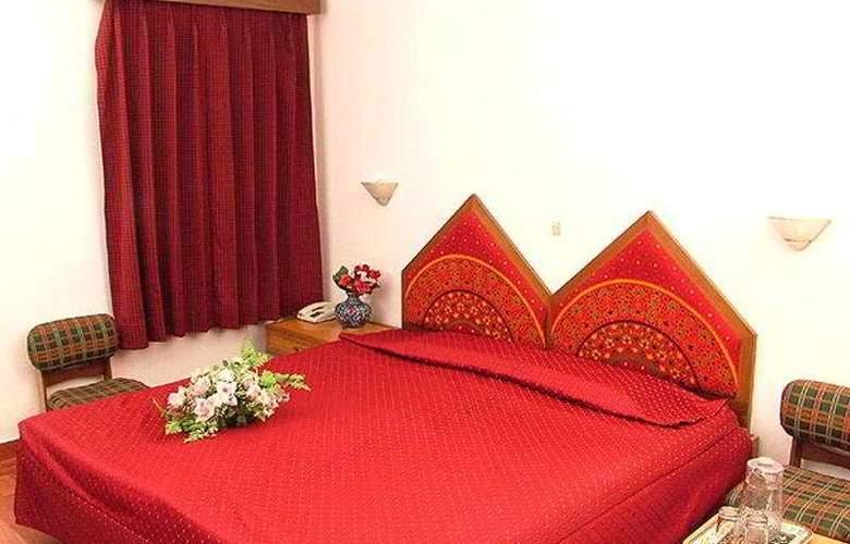 Surya - Room - 6