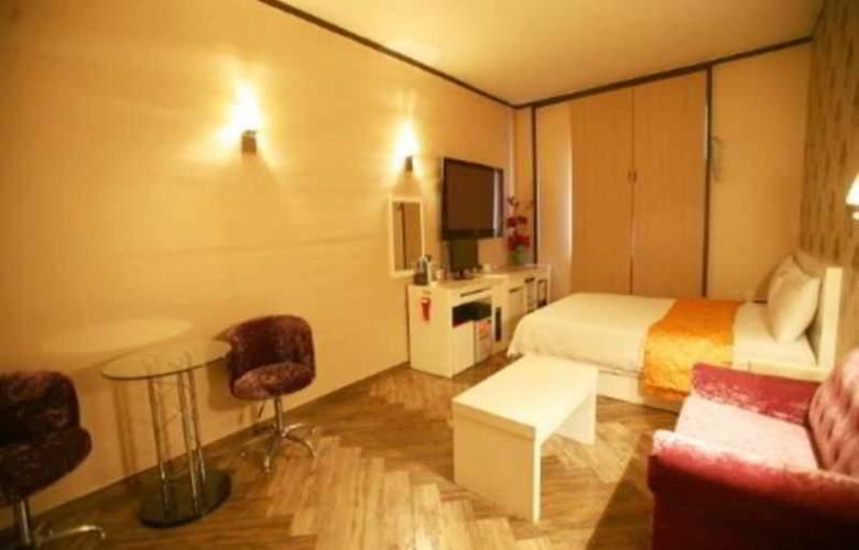 Boom Tourist Hotel - Room - 2