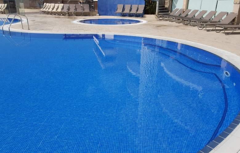 Augustus - Pool - 3