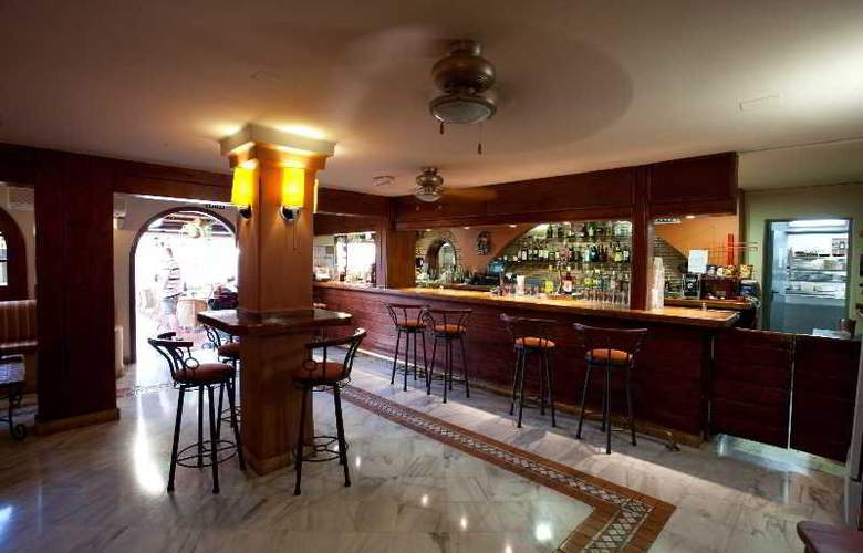 Select Sunningdale - Bar - 31