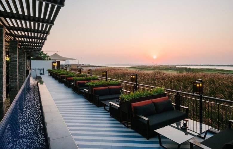 Park Inn by Radisson Abu Dhabi, Yas Island - Terrace - 6
