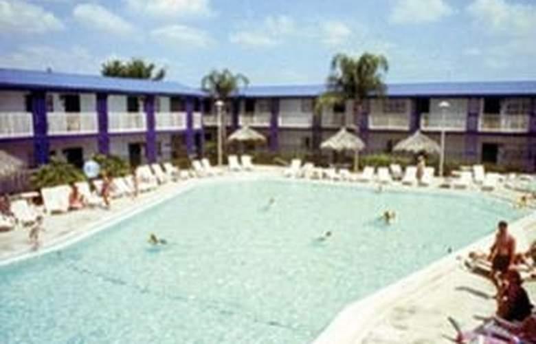 Vacation Lodge Maingate - Pool - 1